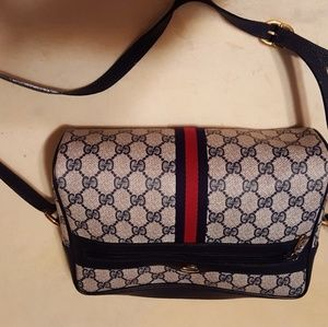 Gucci shoulder bag. Must Sell by Thursday